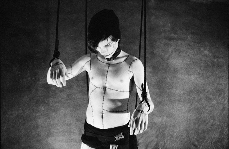Băiatul marionetă