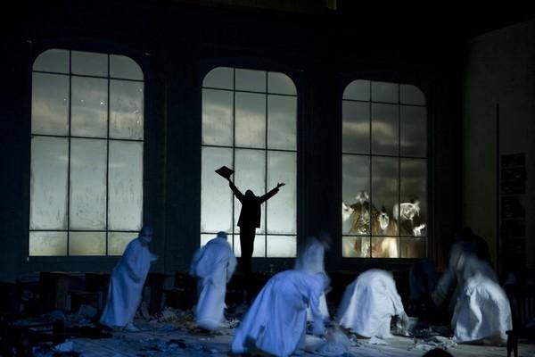 """""""Faust"""" în regia lui Silviu Purcărete"""